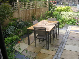garden design for terrace at leeds outdoor dining area