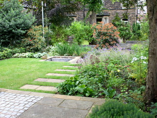 Garden landscaping for a simple Edwardian terrace garden in Leeds by Paperbark Garden Design