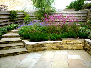 garden landscaping for courtyard at denby dale near wakefield